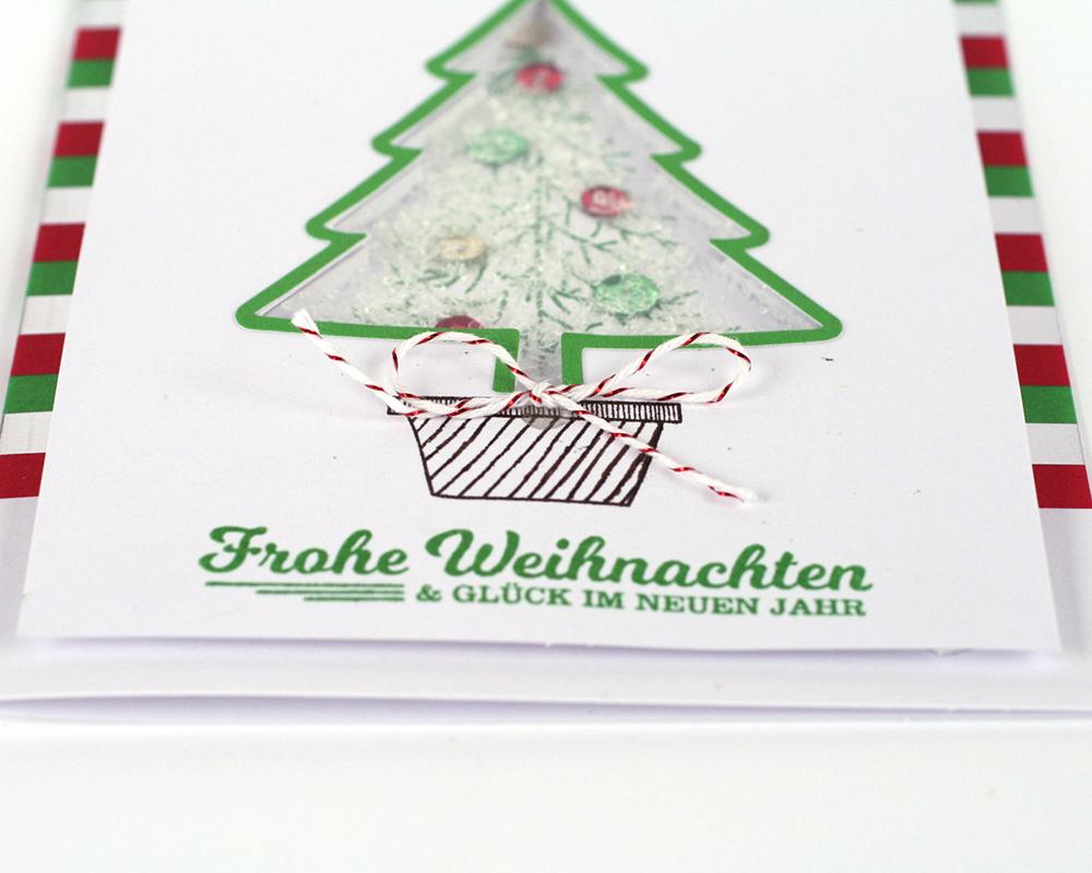 Karte mit Weihnachtsbaum nah