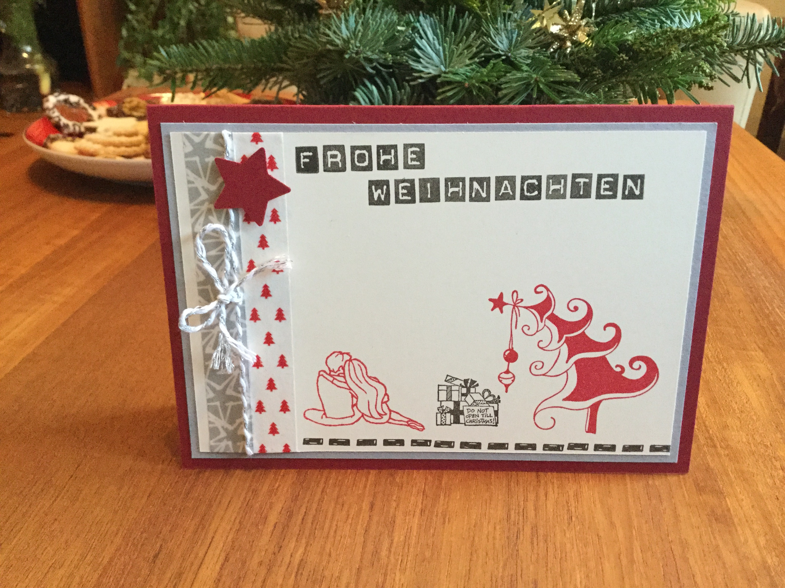 Weihnachtskarte in Rot